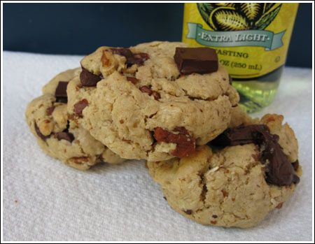Olive oil chocolate chunk cookies | Healthy Desserts | Pinterest