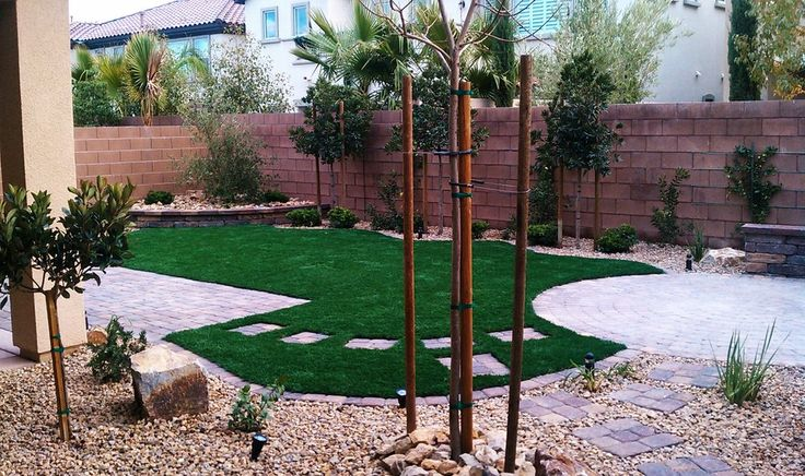 Best 25 desert landscaping backyard ideas only on for Las vegas stone yards