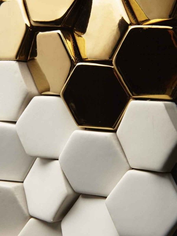 Amazing Surfaces by Giles Miller (http://www.pinterest.com/AnkAdesign/design-materials/)