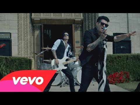 ▶ Escape The Fate - Picture Perfect - YouTube Luv this video amazing! !!!!