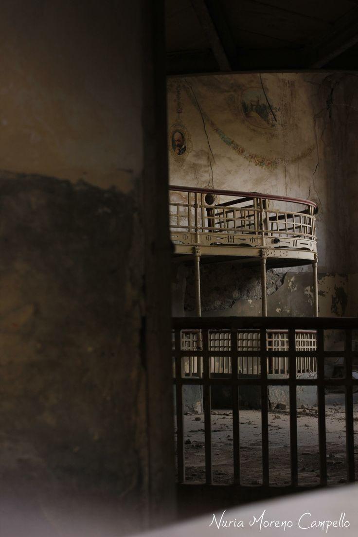 Teatro cervantes abandonado. Diario fotográfico