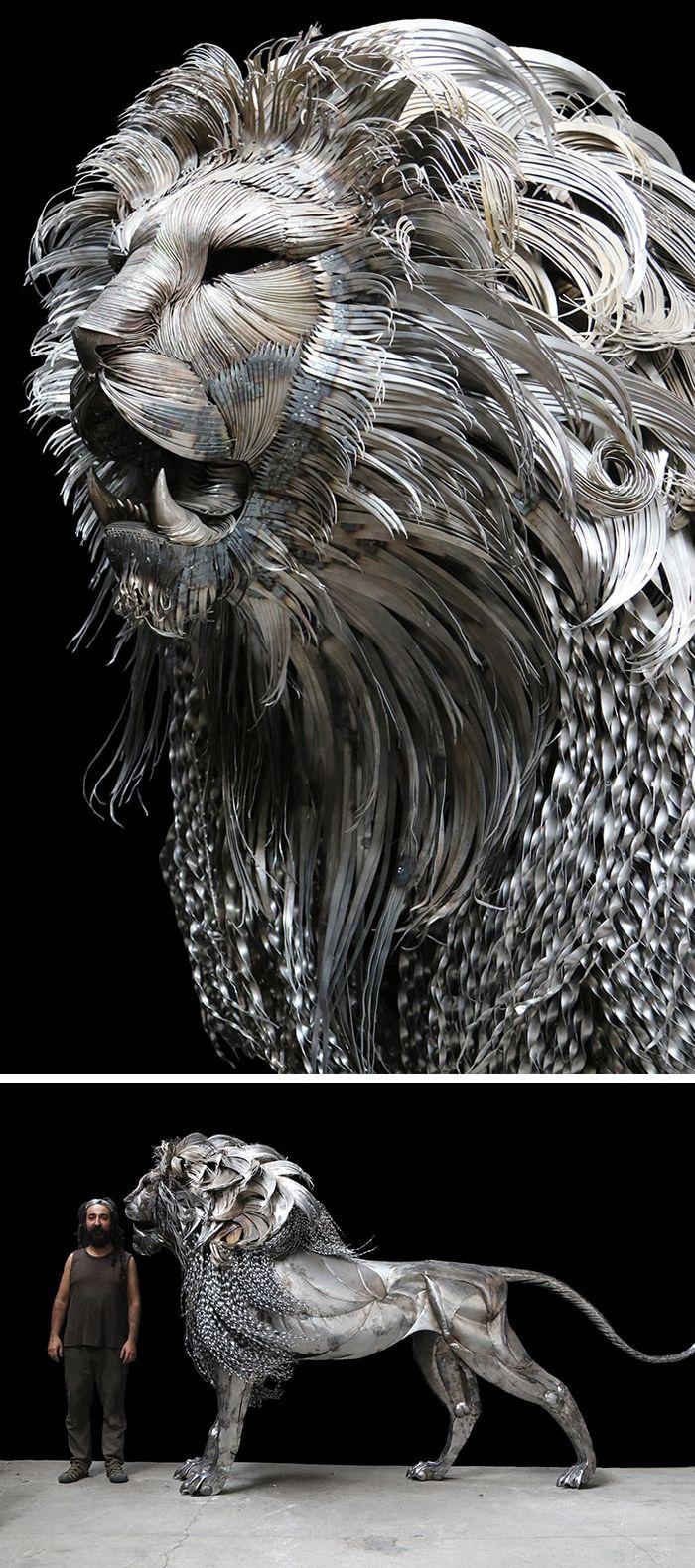 Larger-than-life steel #sculpture by Selçuk Yılmaz #animalart #animalsculpture
