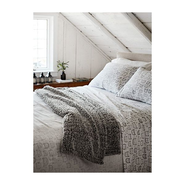 Simons Maison Purring kittens flannel sheet  Fits mattresses up to 15... (€13) ❤ liked on Polyvore featuring home, bed & bath, bedding, bed sheets, king bed linens, king bedding, black bedding, king size bed linen and king size bedding