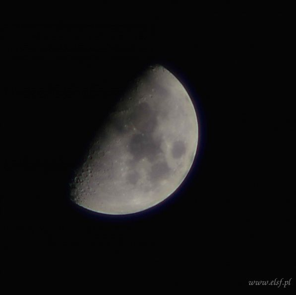 Zdjęcie wykonane aparatem Nikon D3200, statyw, pilot IR, SOLIGOR AUTO TELE CONVERTER 2X, obiektyw MC COSINON f=200 mm. Czułość 100 ISO, czas naświetlania 1/125 s