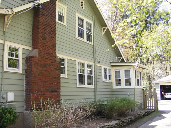 Wood siding green paint red brick chimney exterior painting pinterest home bricks and - Hunter green exterior paint paint ...