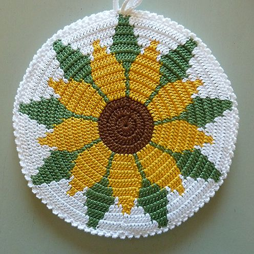 Lovely work on these round potholders over at the blog simple handwerk. The blog is in Afrikaans, but can be easily translated using Google Translate. No pattern, just inspo as these lovelies were...