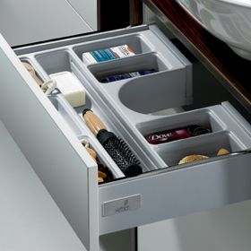 New Hettich Innotech Push to Open Drawer System. Push to open is also available on standard drawers. Visit our showroom and test.