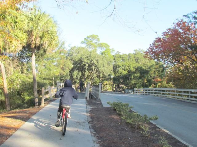 10 Fun Things to Do on Hilton Head Island with Kids: Explore on two wheels. via @Family_travel @palmettodunes