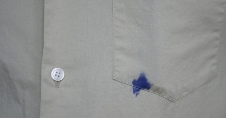 Cómo sacar una mancha de tinta de una camisa