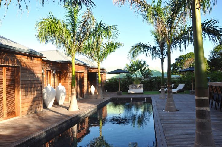 Villa Makasi - Brand new 4-bedroom Balinese-style private villa located in the quiet neighborhood of Grand Fond.