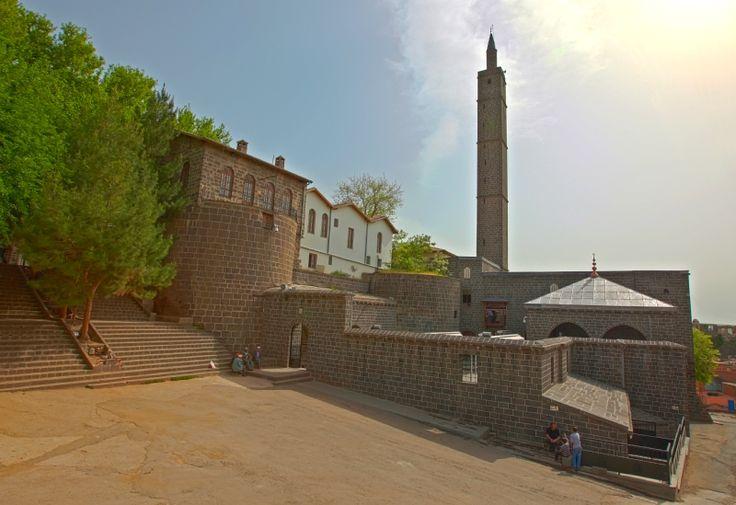 Hz. Süleyman Camii 27 Sahabe Türbesi, Diyarbakır, Türkiye