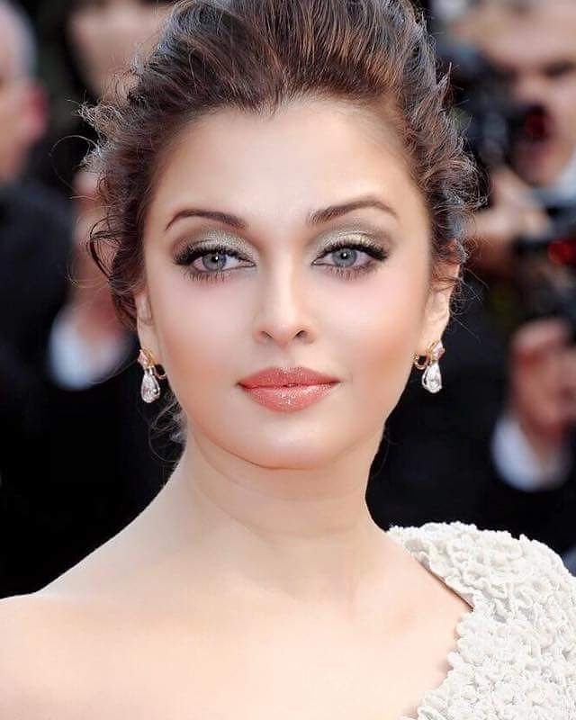 Aishwarya Rai Bachchan | She is so beautiful ...