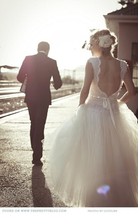 Sunset Wedding Photos ♥ Professional Outdoor Wedding Photo Ideas ♥ Lace Back Wedding Dress - Weddbook