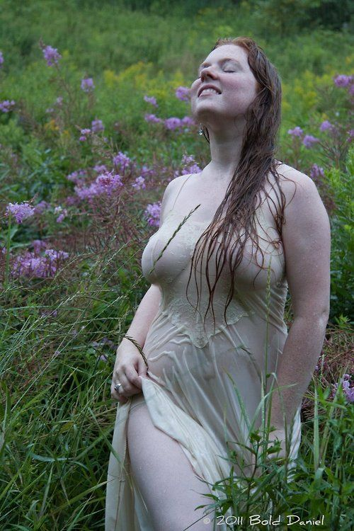Beautiful & Curvy Nature Spirit.