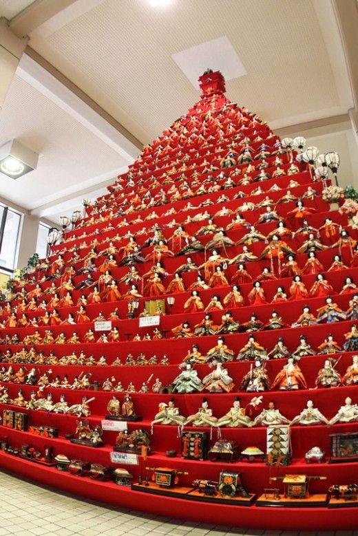 日本一高いピラミッドひな壇『鴻巣びっくりひな祭り』