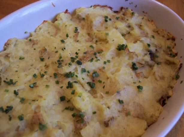 Norwegian Potato Mushroom Bake from Food.com:   								Posted for ZWT6. Baking times are an estimate. Make sure to watch the dish while baking.