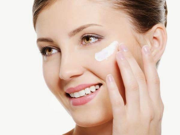 Rawatlah wajah anda agar terhindar dari masalah jerawat dengan menerapkan tips-tips berikut..