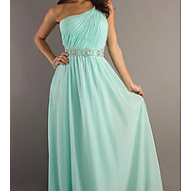 Grad dress idea, love the shoulder
