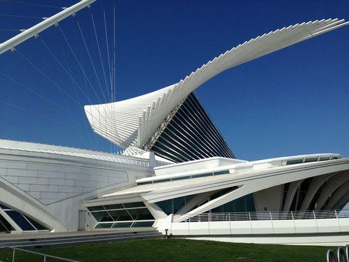 1.Milwaukee Art Museum.jpg