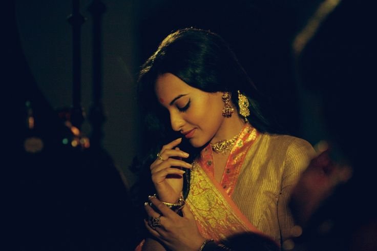 Love the lighting here. #Sonakshi #Bollywood