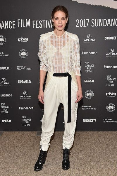 Harem Pants Lookbook: Michelle Monaghan wearing Louis Vuitton Harem Pants (10 of 17). Michelle Monaghan teamed her top with white harem pants, also by Louis Vuitton.