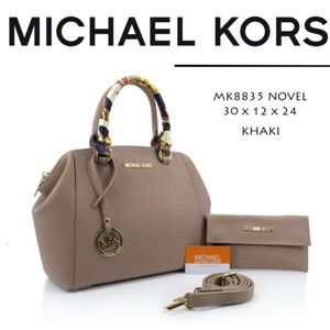 Trend Model Tas Michael Kors Novel Set Dompet 330MV Terbaru - http://www.tasmode.com/tas-michael-kors-novel-set-dompet-330mv-terbaru.html