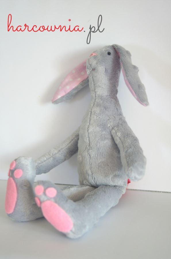 """zwierzak - Robert - Unikaty tworzone z miłością i pasją http://harcownia.pl """"Robert"""" - tilda / królik"""