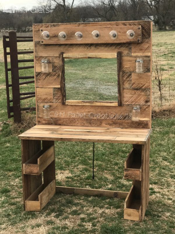 Rustic Lit Pallet Makeup Vanity | OH MY GOODESS, YESSSSSS!!! I WANT THIS SO BADDDD!!!!!