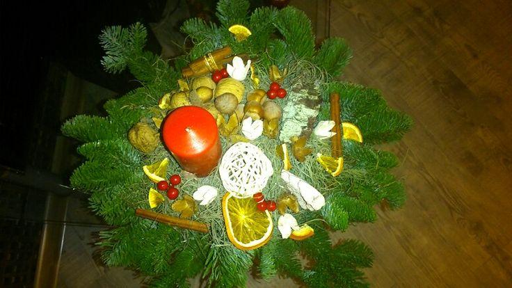Bożonarodzeniowy stroik zrobiony na zajeciach