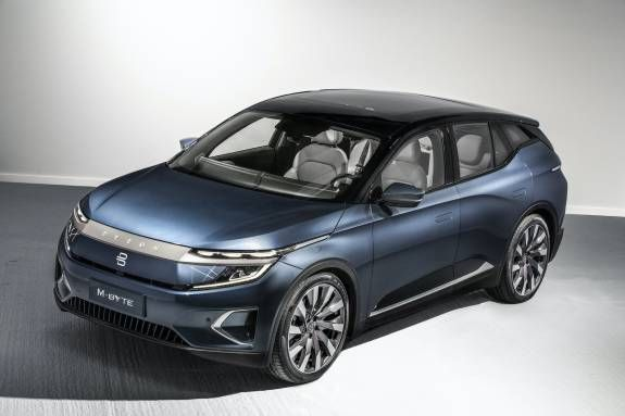 Byton M Byte E Suv Reveals The Reason For Its 48 Inch Dash Display In 2020 Car Suv Electric Cars