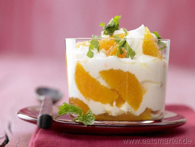Dieses leckere Frühstück sieht nicht nur super aus sondern ist auch noch so gesund: Clementinen-Joghurt - smarter - mit Ingwer und Honig. Kalorien: 119 Kcal | Zeit: 15 min. #breakfast