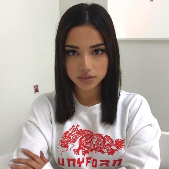 dark-sleek-lob-hair-haircut-trends-2019-min