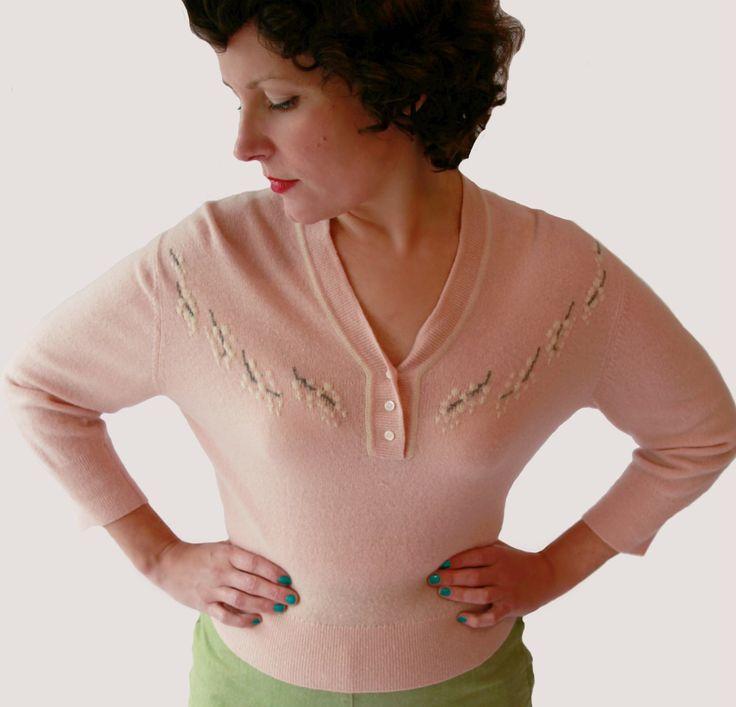 Gorgeous Vintage 1950s Dusty Pink Cashmere Sweater by fridalarsensvintage on Etsy