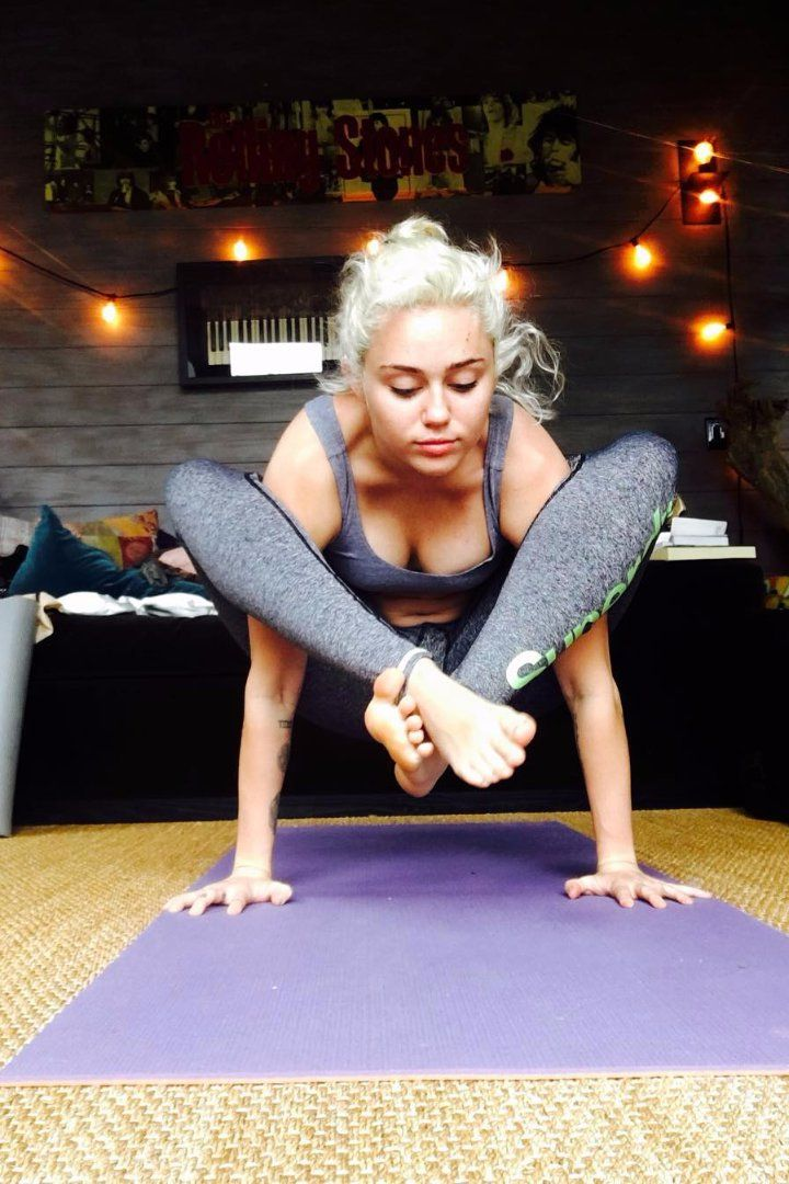 Miley Cyrus Just Made This Yoga Pose Look Incredibly Easy