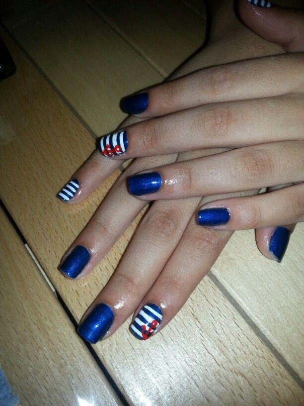 Smalto semipermanente e nail art con colori acrilici