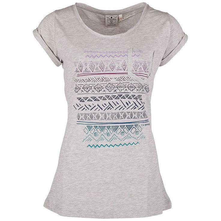 Ein echtes Casual-Shirt IVERA von Chiemsee, das sofort für gute Laune sorgt: Das T-Shirt ist vorn bunt bedruckt und mit umgeschlagende Ärmel und dem beliebten Rundhals-Ausschnitt versehen. Die lockere Form und die exquisite Ware sorgen für einen schönen Sitz. Ganz gleich, welche Aktivitäten in der Freizeit anstehen, dieses Chiemsee-Shirt mit der Lieblings-Jeans oder einer anderen farbenfrohen H...