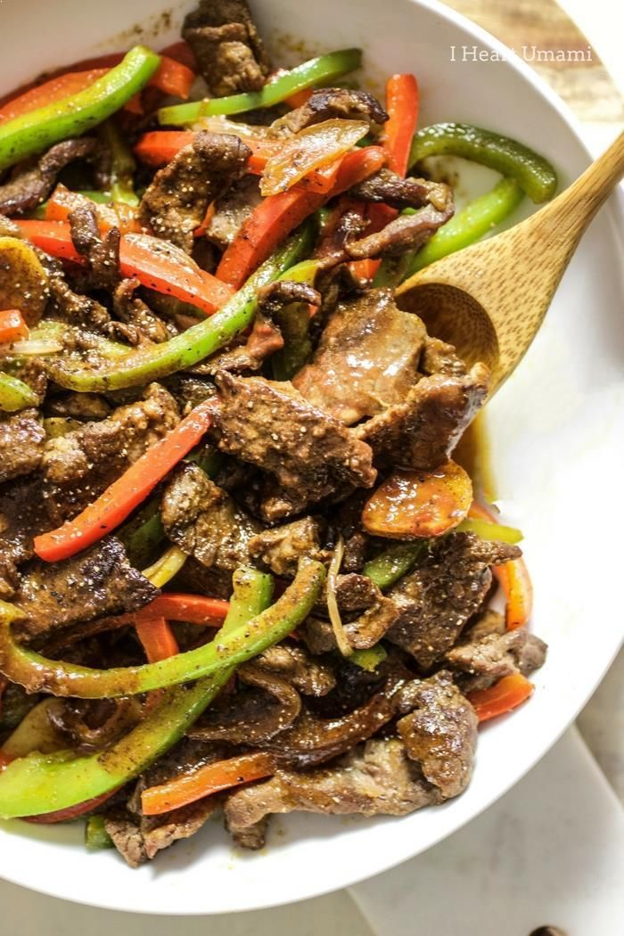 The best Saucy Paleo Chinese Pepper Steak Stir-Fry recipe with homemade Worcestershire steak sauce. This healthy Pepper Steak is easy, quick, low carb, and gluten-free with no added sugar. A healthy, delicious takeout recipe everyone in the family can enj