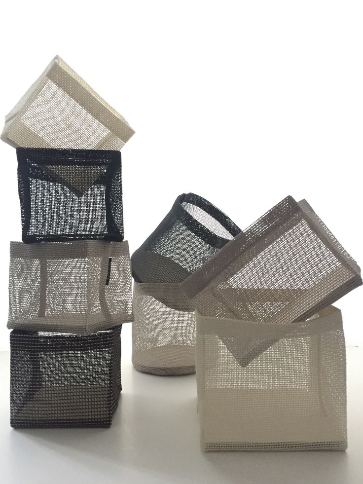 Woodnotes have a wide assortments about Box Zone and Round Zone containers. 100% paper yarn.