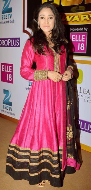 Disha Vakani at Zee Gold Awards 2014