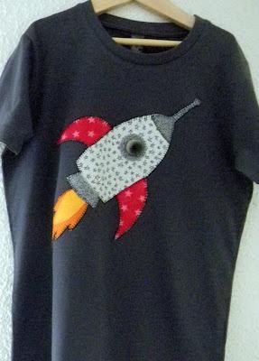 Camisetas                                                                                                                                                                                 Más