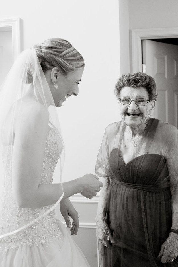 Deze bruid heeft wel een heel bijzonder bruidsmeisje - #famme  www.famme.nl
