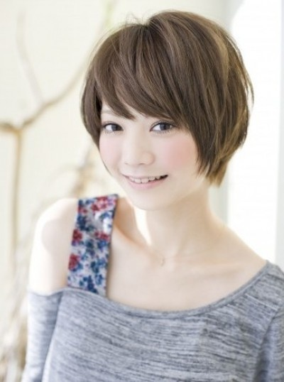 Beautiful short bob with bangs for Asian women