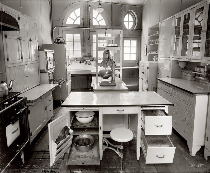 1920s kitchen #kitchen