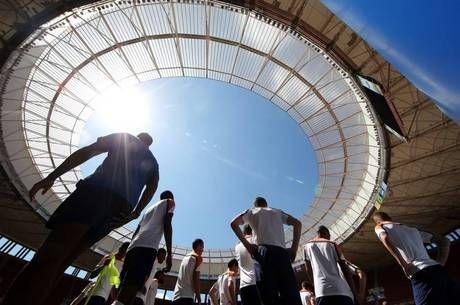 Botafogo e São Paulo se enfrentarão na próxima quarta-feira no Mané Garrincha - http://noticiasembrasilia.com.br/noticias-distrito-federal-cidade-brasilia/2014/09/07/botafogo-e-sao-paulo-se-enfrentarao-na-proxima-quarta-feira-no-mane-garrincha/