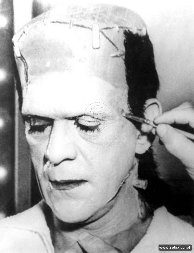 Frankenstein di James Whale 1931 #Makeup #effettispeciali prova #trucco #Frankenstein # Boris Karloff un momento molto intenso per l'attore che doveva affrontare ore estenuanti di make up e struccaggio