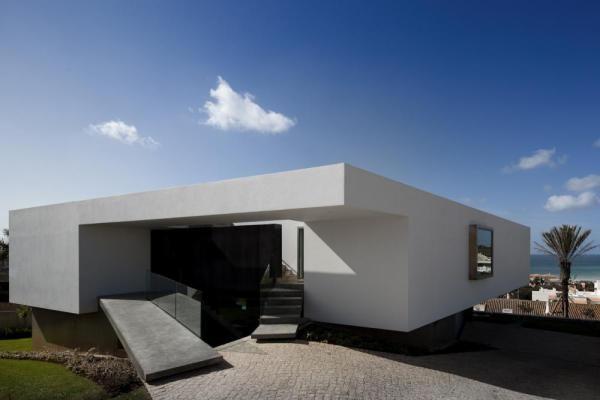 ArchShowcase - House in Lagos, Portugal by Mario Martins