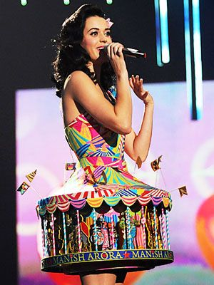 Katy Perry and her carousel dress