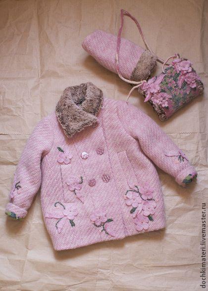 Детская, зимняя курточка . - бледно-розовый,цветочный,пальто детское,пальто для девочки