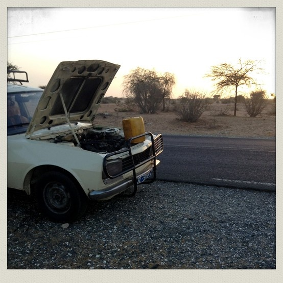 SENEGAL#BROKEN CAR