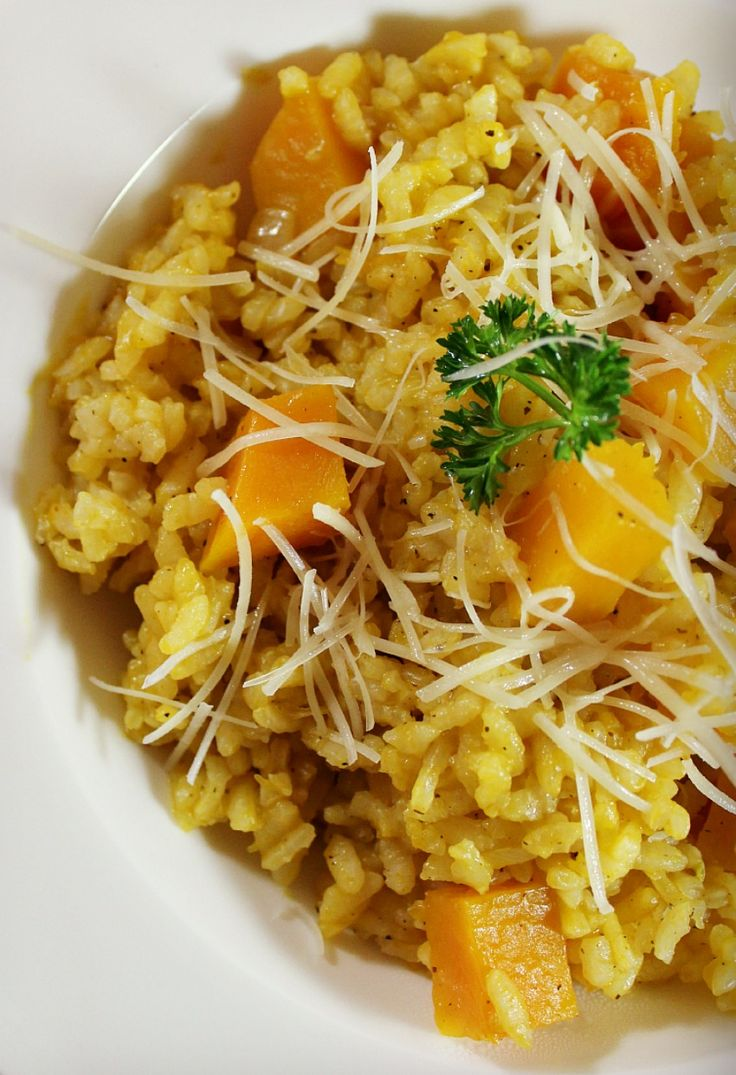 This recipe for oven risotto with butternut squash is the perfect one-pot, elegant dish. Butternut squash and Parmesan cheese adds creamy texture and complex flavors.